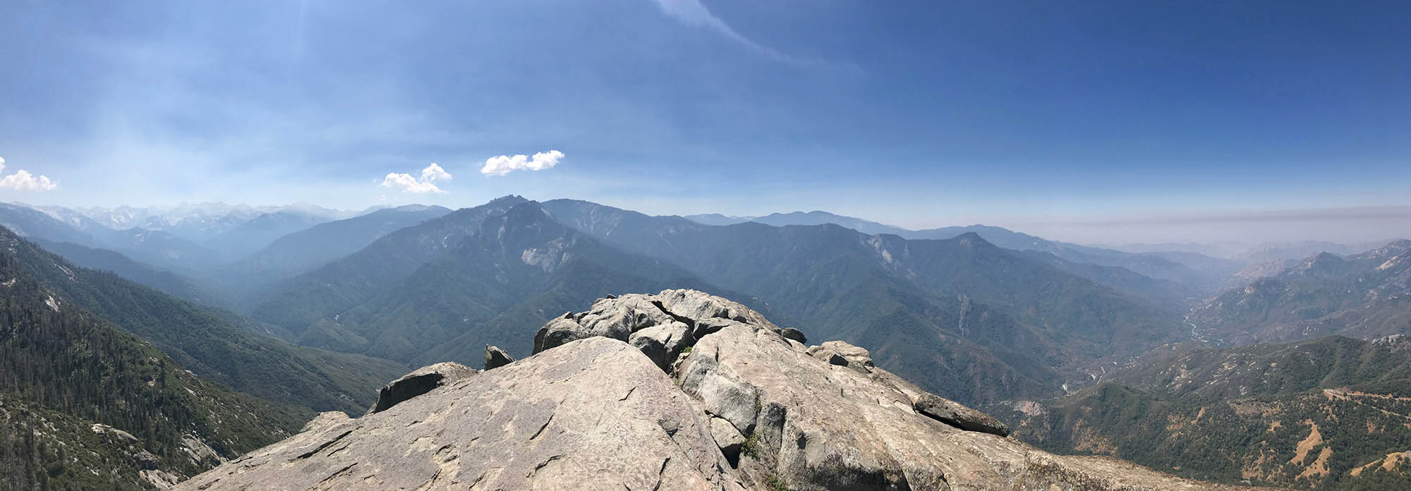 The view from Moro Rock, Sequoia National Park