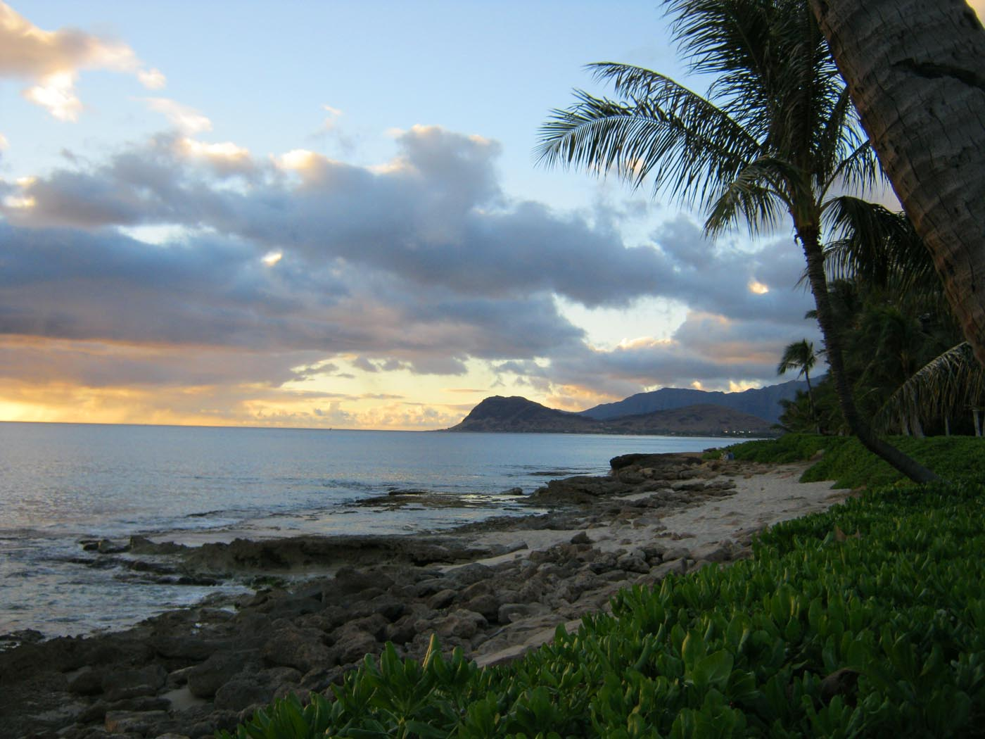Sunset at Paradise Cove in Oahu